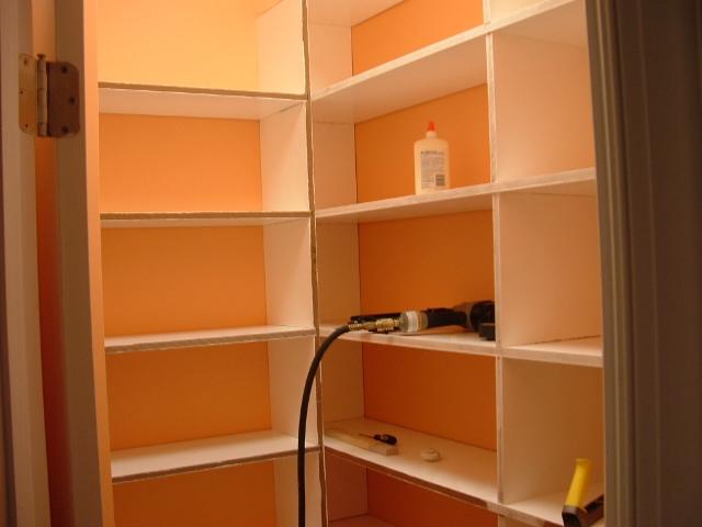 Как сделать полки в гардеробной фото